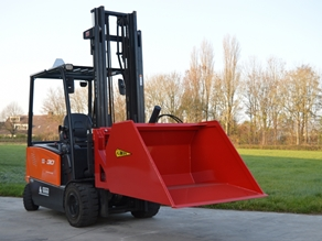 Bulk loading bucket (fork carriage mounted)