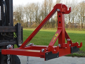 Tool carrier for 3-point hitch equipment